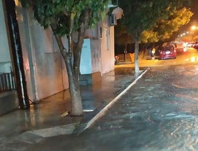 Πλημμύρισαν δρόμοι στην Κρήτη από την κακοκαιρία! Εικόνες σοκ!