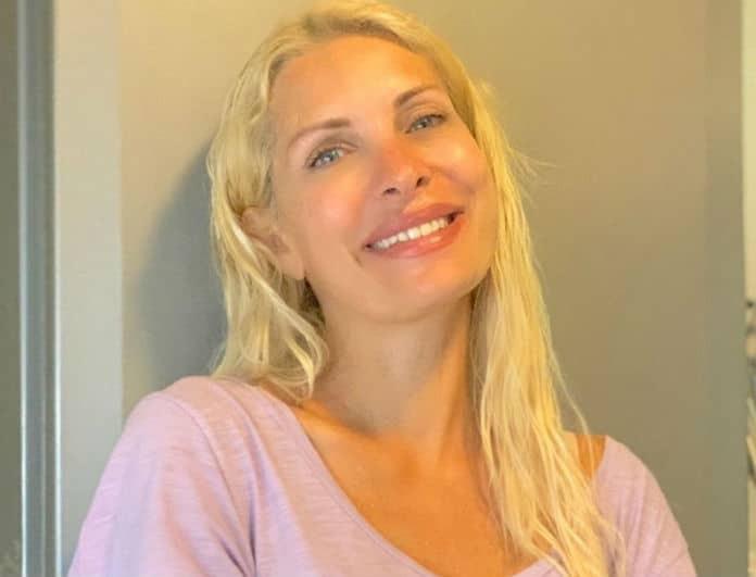 Ελένη Μενεγάκη: Με αυτό το κραγιόν κάνει τα χείλη της να φαίνονται μεγαλύτερα! Θα το βρεις κάτω από 5 ευρώ...
