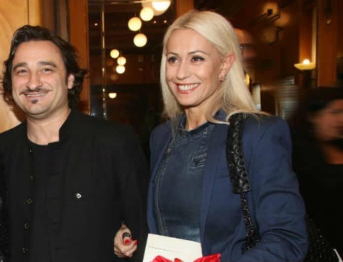 Μαρία Μπακοδήμου: Αν δεν έχεις αυτό το ρούχο της, δεν «πας» πουθενά! Φοριέται όλη μέρα και σαρώνει!