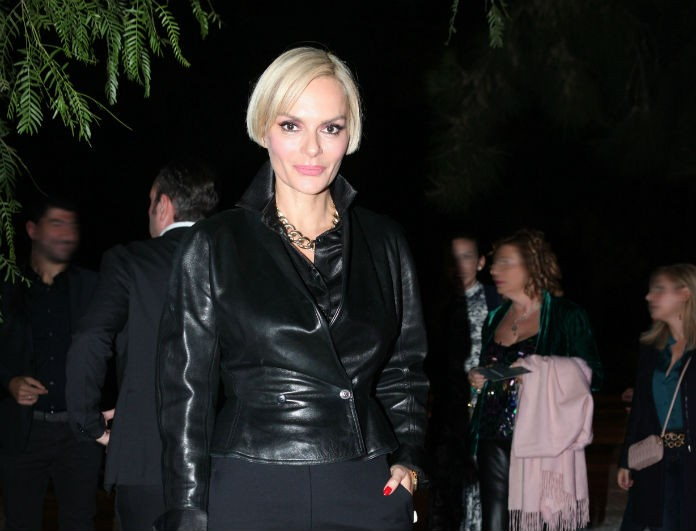 Έλενα Χριστοπούλου: Έκανε total black ντύσιμο και τράβηξε πάνω της όλα τα βλέμματα!