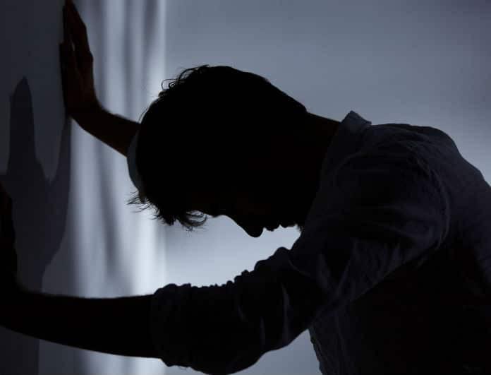 «Τελευταία θέλω να μένω συνέχεια μόνος μου, να ανησυχήσω»; Ο ειδικός του YouWeekly.gr απαντά!