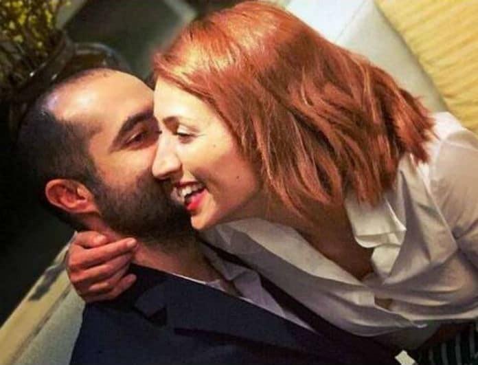 Μαρία Ηλιάκη: Στόλισαν με τον σύντροφο της το σαλόνι του σπιτιού τους! Δείτε το λαμπερό δέντρο!