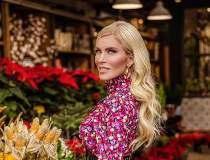 Κατερίνα Καινούργιου: Το φόρεμα με τα λουλούδια που έβαλε κάνει μόνο 29,99! Το έριξαν από 36,99!