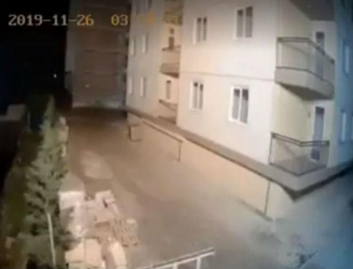 Βίντεο σοκ από το σεισμό στην Αλβανία: Σείεται ολόκληρο κτίριο!