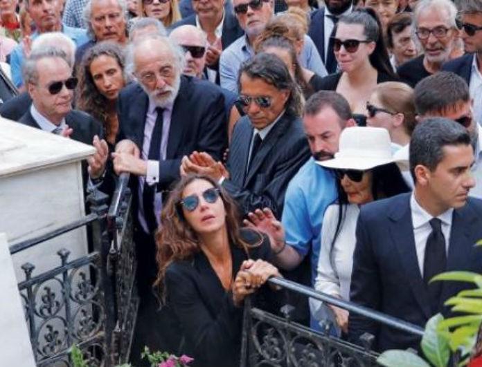 Ζωή Λάσκαρη: Ανατριχίλα με αυτό που γράφει πάνω ο τάφος της! Το ντοκουμέντο στην δημοσιότητα...
