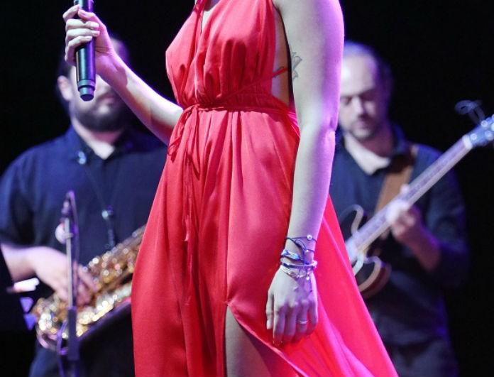 Ελληνίδα τραγουδίστρια αποκαλύπτει: «Για έναν χρόνο κοιμόμουν σε υπόστρωμα επειδή δεν είχα χρήματα»