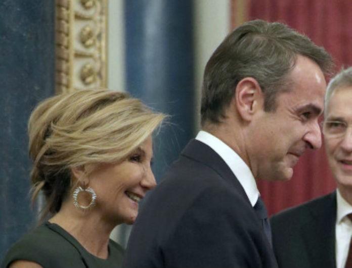 Κυριάκος Μητσοτάκης: «Έκλεψε» τα βλέμματα η Μαρέβα στην συνάντηση τους με την Βασίλισσα Ελισάβετ!
