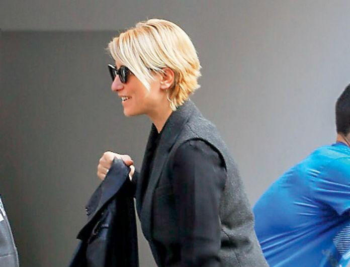 Σία Κοσιώνη: Φωτογραφίες με ροκ διάθεση! Ψώνια ντυμένη στα μαύρα! Όλοι κοιτούσαν την τσάντα της...
