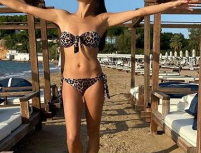 Δεν την νοιάζει το κρύο! Πασίγνωστη Ελληνίδα πήγε παραλία μέσα στο Δεκέμβρη!