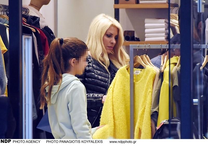 Ελένη Μενεγάκη ψώνια