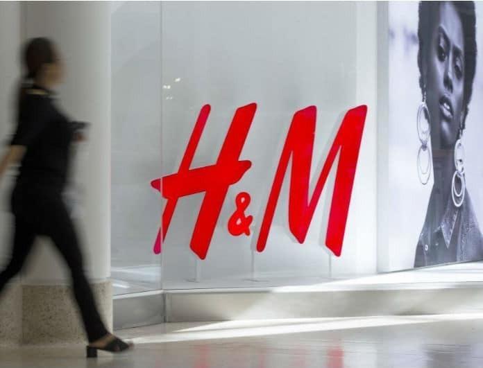 H&M: Αυτό το πουλόβερ έχει μανίκια που φουσκώσουν! Αγόρασε το με λιγότερο από 20 ευρώ!