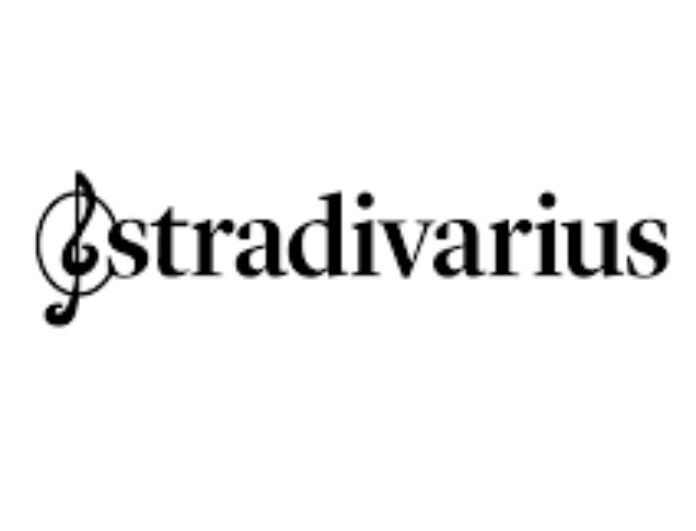 Stradivarius: Το τζιν παντελόνι τύπου
