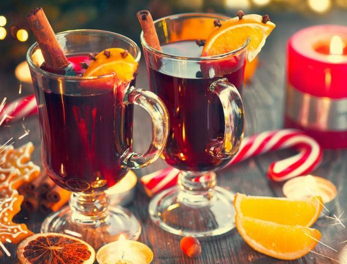 Φτιάξτε ζεστό Χριστουγεννιάτικο κρασί (Gluhwein) με κανέλα και πορτοκάλι!