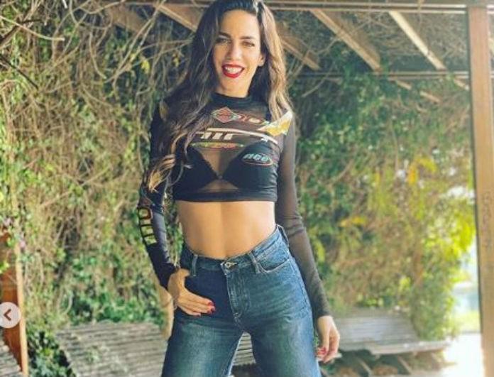 Κατερίνα Στικούδη: Τα κίτρινα μποτάκια της τα θέλουν όλες! Τα συνδύασε με τζιν παντελόνι...