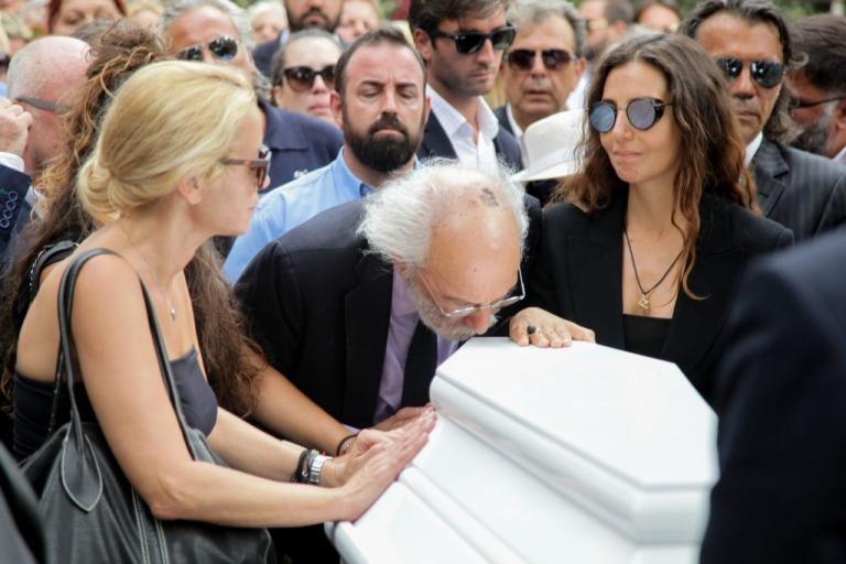 Ζωή Λάσκαρη κηδεία Αλέξανδρος Λυκουρέζος