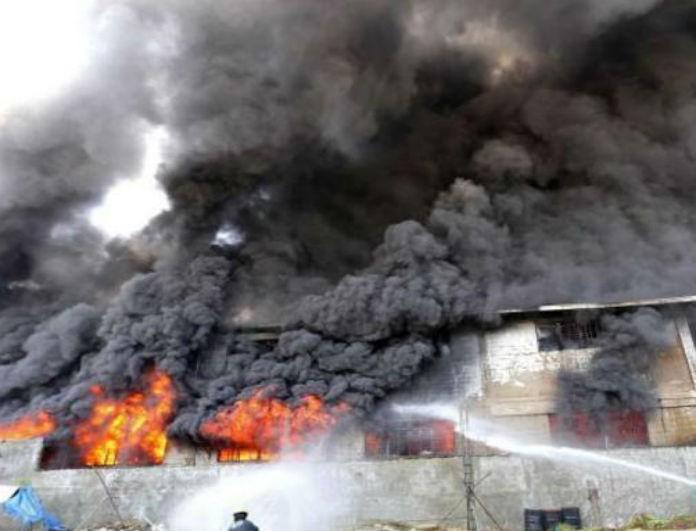 Συναγερμός! Φονική πυρκαγιά σε εργοστάσιο άφησε πίσω της 43 νεκρούς!