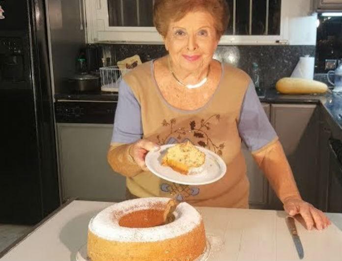 Βέφα Αλεξιάδου: Το κέικ της με κανέλα και σοκολάτα είναι «εθισμός»! Η συνταγή με υλικά που έχουμε όλες!