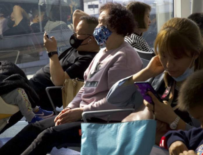 Κοροναϊός: Ραγδαία μέτρα στην Βρετανία για τον ιό! Σε απομόνωση για 14 ημέρες όσοι επιστρέφουν!