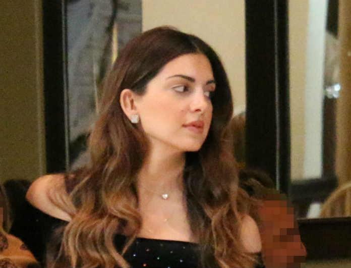 Σταματίνα Τσιμτσιλή: Με κάπρι τζιν και μπλούζα με έξω τους ώμους! Οι φωτογράφοι την