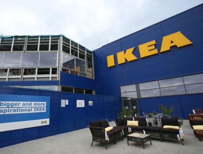 ΙΚΕΑ: Έχεις μικρό σαλόνι; Αυτός ο καναπές σε γκρι θα σε βολέψει! Μόνο με 179 ευρώ!