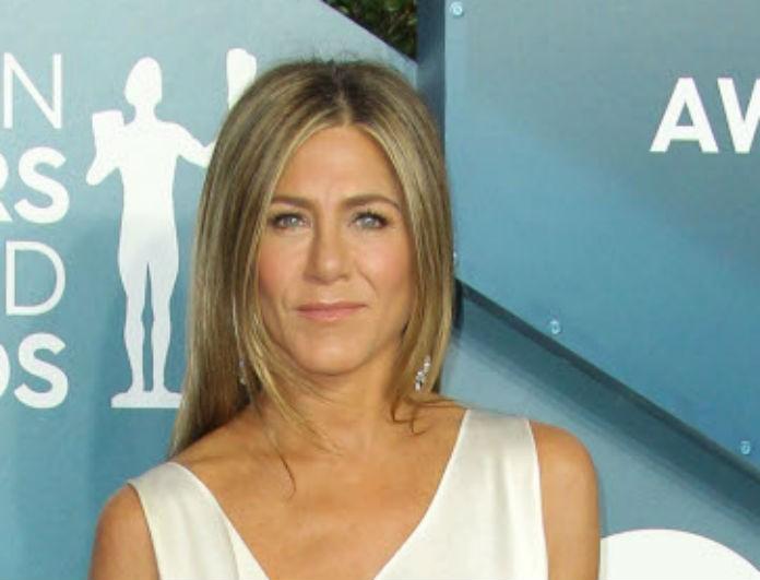 Τα Φιλαράκια: Η Jennifer Aniston έκανε βλέμματα να γυρίσουν! Το σατέν φόρεμα της