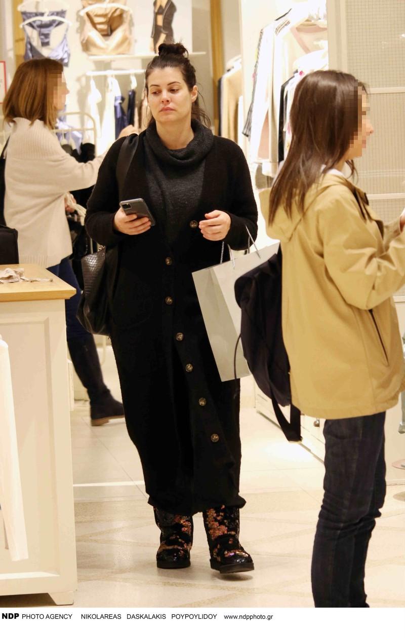 Μαρία Κορινθίου ψώνια