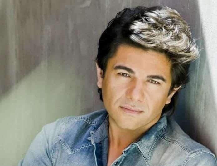 Νίκος Κουρκούλης: Βαρύ πένθος για τον τραγουδιστή! Στο πλευρό του η Κέλλυ Κελεκίδου!
