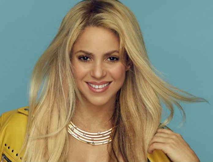 Η Shakira άλλαξε μαλλί και έγινε...γκέισα! Η εμφάνιση που προκάλεσε