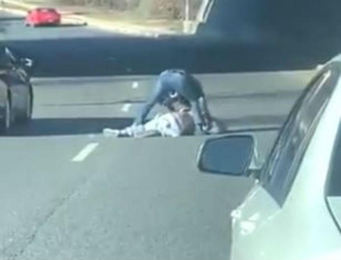 Βίντεο σοκ! Αθλητής ξυλοκοπείται άγρια στον δρόμο! Σε άθλια κατάσταση!
