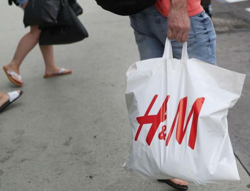 Τελευταία λέξη της μόδας αυτές οι μπαλαρίνες από H&M - Δεν θυμίζουν σε τίποτα τις κλασικές