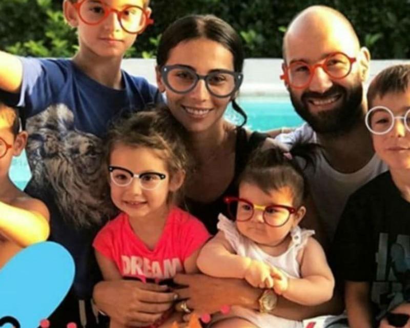 Ολυμπία Χοψονίδου: Λιώσαμε! Η τρυφερή φωτογραφία με τον Βασίλη Σπανούλη και την νεογέννητη κόρη τους για τον Άγιο Βαλεντίνο!