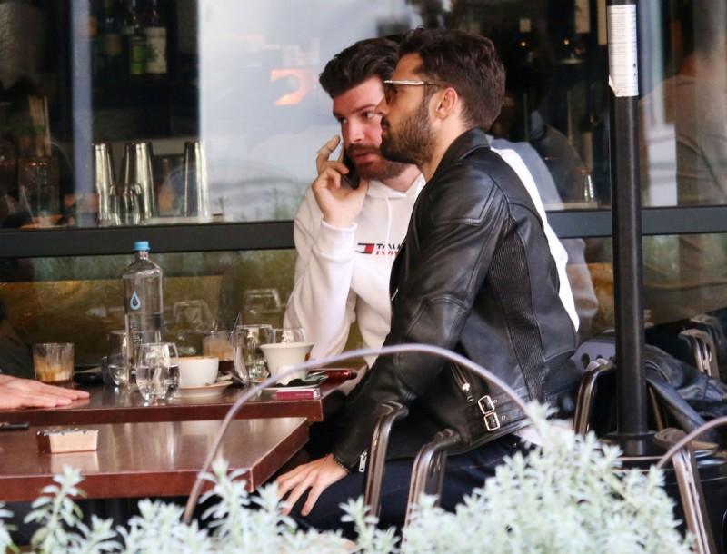 Κωνσταντίνος Αργυρός: Για καφέ στο κέντρο της Αθήνας! Ποιον είχε παρέα του;