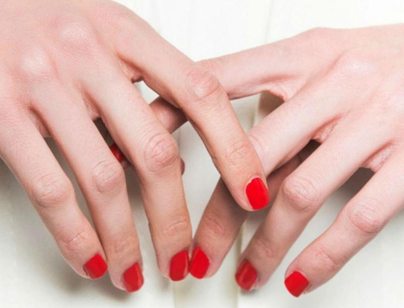 Θέλεις πιο μακριά νύχια; Τα κόλπα για να τα αποκτήσεις στο άψε σβήσε!