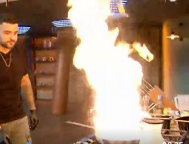 MasterChef: Παίκτης παραλίγο να... κάψει την κουζίνα! Ο Ιωαννίδης σε ρόλο πυροσβέστη!