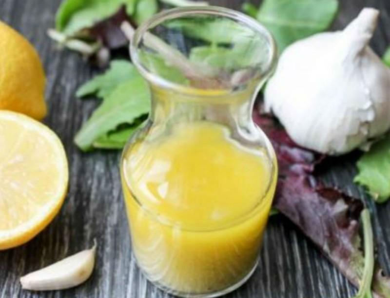 Η μυστική συνταγή με σκόρδο και λεμόνι - Θεραπεύει δερματικές παθήσεις