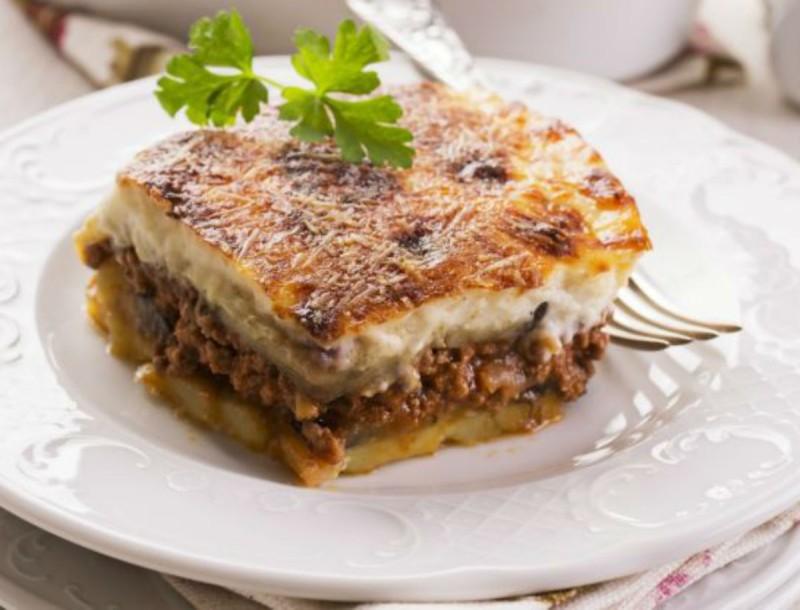 Λιώνει στο στόμα ο πουρές πατάτας της Βέφας Αλεξιάδου - Με μελιτζάνες φούρνου και κιμά