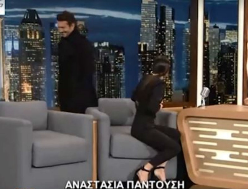 The 2Night Show: Ο Ιωάννης Παπαζήσης εισέβαλε ξαφνικά στο πλατό! Τι συνέβη;