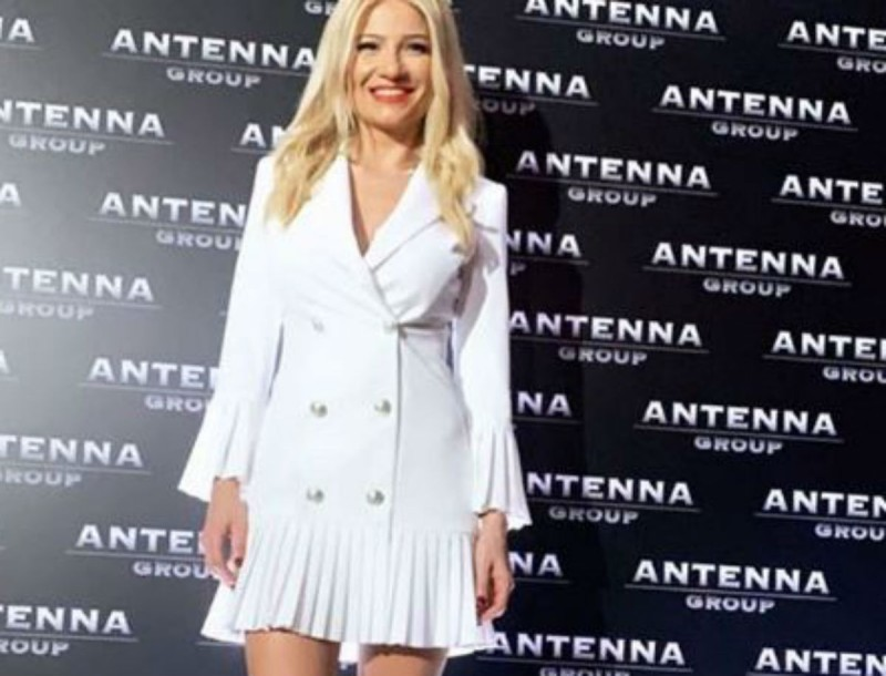 Η Φαίη Σκορδά με φόρεμα BSB στην κοπή πίτας του ΑΝΤ1 - Βρήκαμε την τιμή