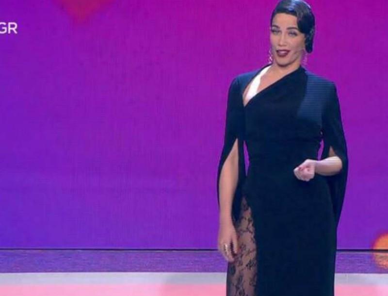 "My style rocks Gala: Η πιο ""καυτή"" εμφάνιση της Στικούδη! Φόρεσε μαύρο φόρεμα με σκίσιμο στο πλάι!"