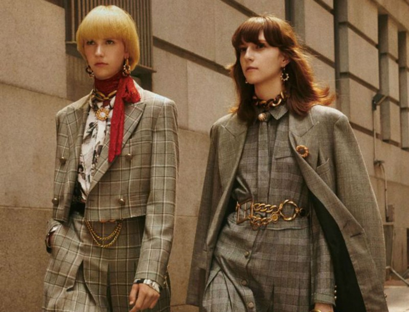 Άρχισαν να κυκλοφορούν οι τσάντες/πουγκάκια στα Zara - Είναι η τελευταία λέξη της μόδας