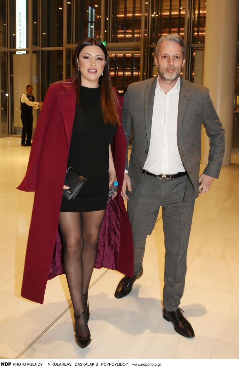 Έλενα Παπαρίζου  με τον άντρα της
