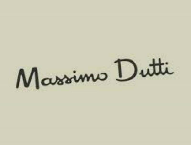 Κάνε το καλοκαίρι δικό σου με αυτά τα μαύρα πέδιλα από τα Massimo Dutti