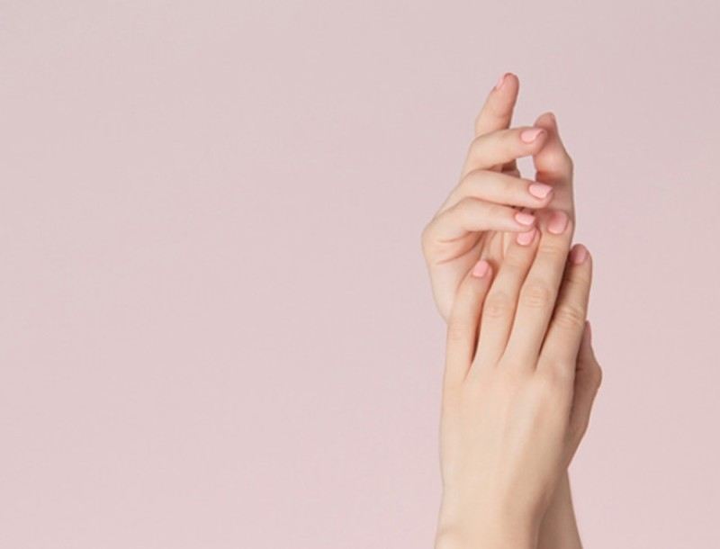 Κορωνοϊός: Πώς να προστατέψεις τα νύχια σου και τα χέρια σου από την αφυδάτωση