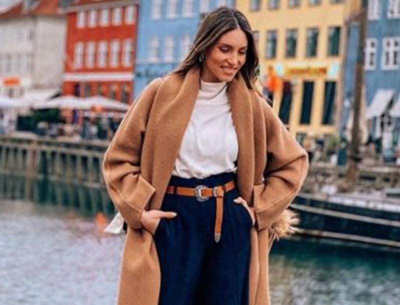 Αθηνά Οικονομάκου: Φόρεσε το απόλυτο belt bag - Το συνδύασε με sneakers