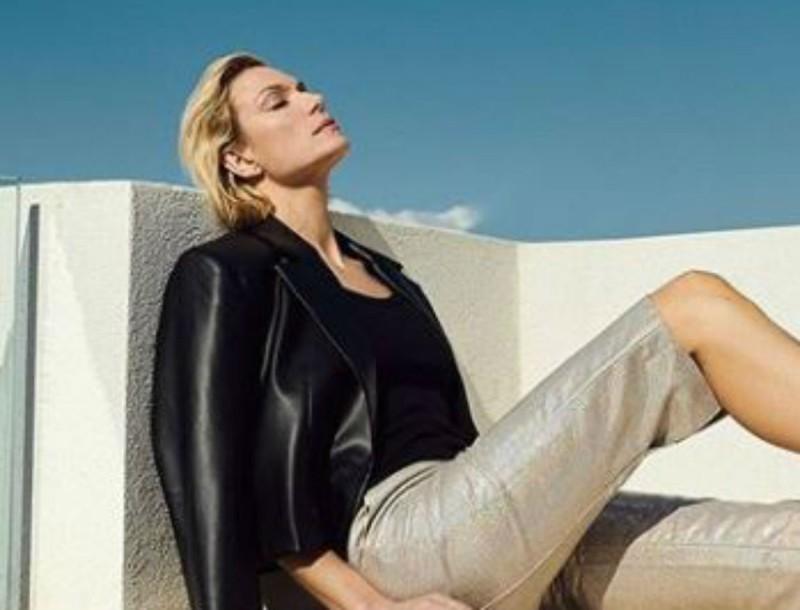 Φόρα αυτά τα πέδιλα και γίνε και εσύ fashion expert όπως η Βίκυ Καγιά