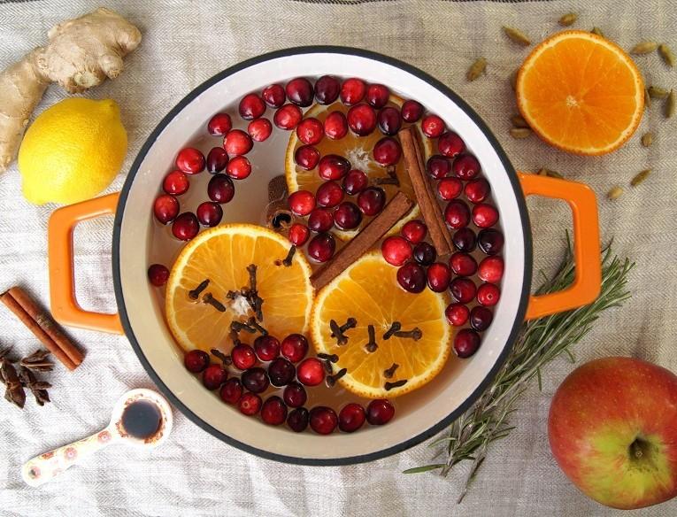 Εξαφανίστε την μυρωδιά από το τσιγάρο στο σπίτι σας με κανέλα και πορτοκάλι