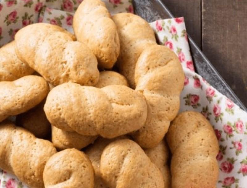 Βάλε λεμόνι και μαστίχα και φτιάξε τα πιο νόστιμα κουλουράκια της Αργυρώς Μπαρμπαρίγου