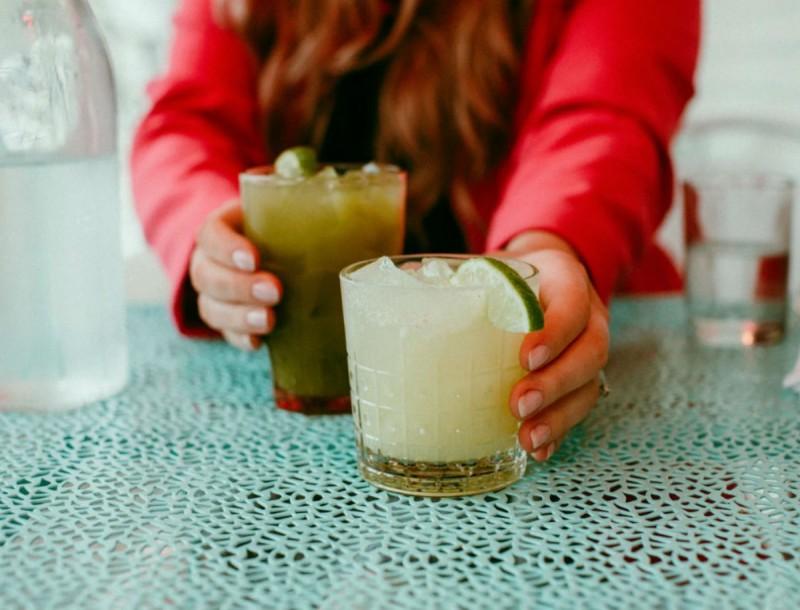 Δεν μπορείς να πας για ποτό; Φτιάξε την πιο γευστική σπιτική μαργαρίτα!