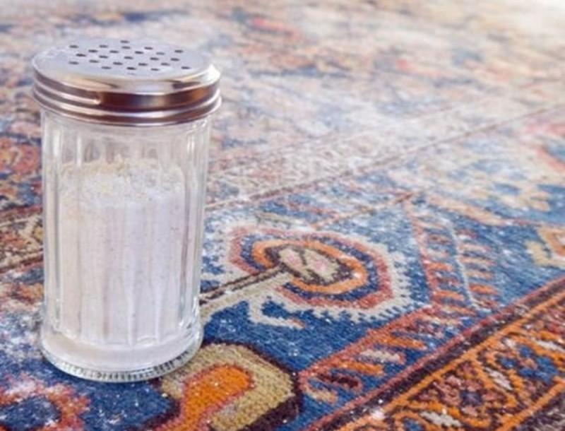 Καθάρισε τους λεκέδες στο χαλί σου με μαγειρικής σόδα - Θα το κάνει σαν καινούριο