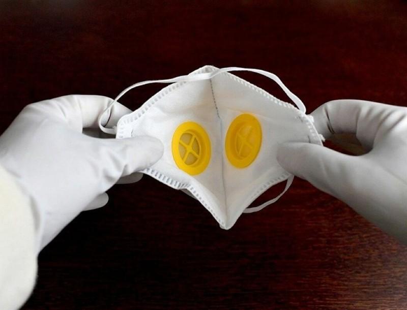 Κορωνοϊός: Προβλήματα στον μεγαλύτερο παραγωγό γαντιών λόγω του ιού